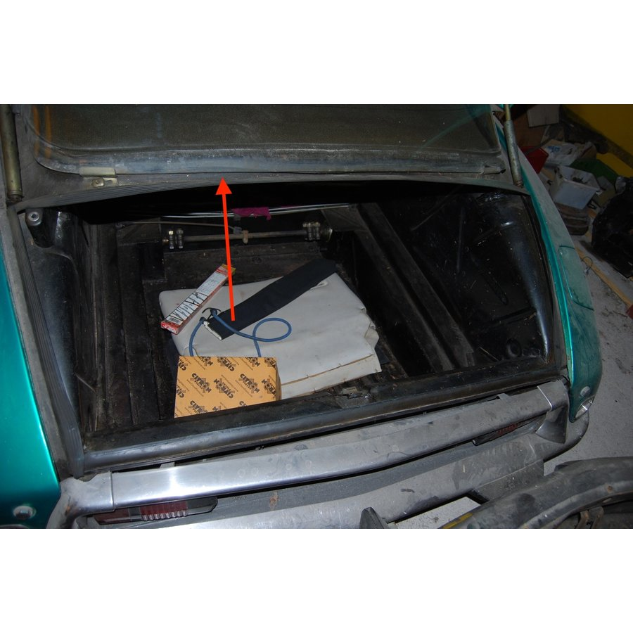 Rubber set under rear boot of Berline [4: 1 x L 1240 1 x L 1000 2 x L 600] Citroën ID/DS-10