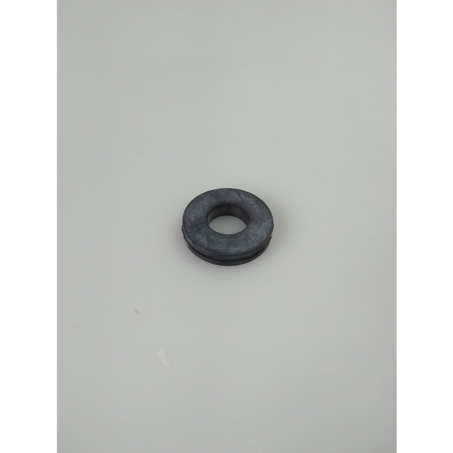 Rubber ring around LHM/LHS hose where hose passes Tie-rod of radiator Citroën ID/DS-8