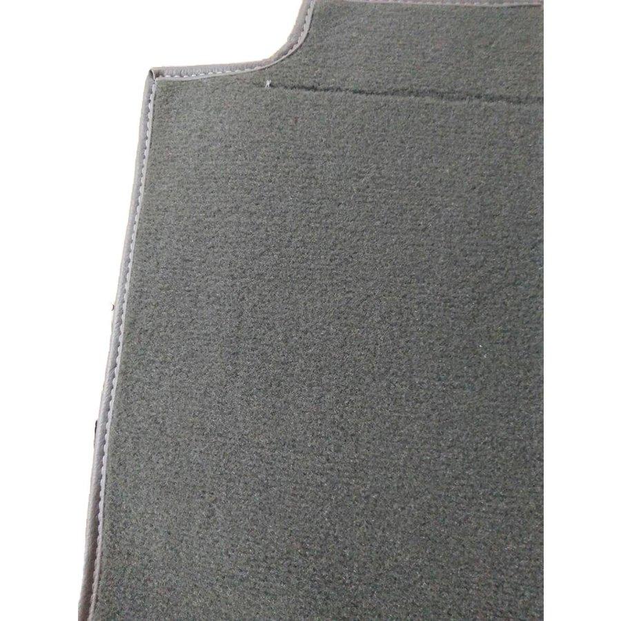 Pièce de tapisserie grise fixée au dos du siège AV Citroën SM-2
