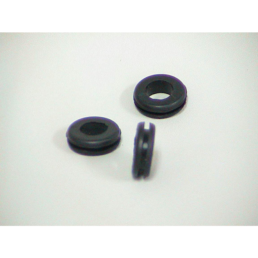 Rubber ring for passing through wiring in front fender Citroën-1