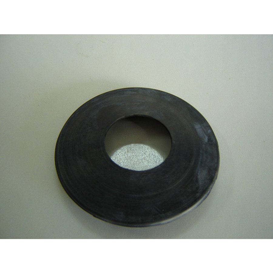 Rubber ring (black) through which passes the gasoline filling tube Citroën-1