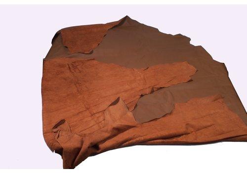 Material Cuir peau marron (prix au pied carre (ft2) 1 M2 = 11 ft2)