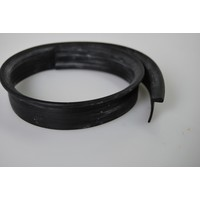 Rubber strip on closing panel of rear fender (L 590) Citroën ID/DS