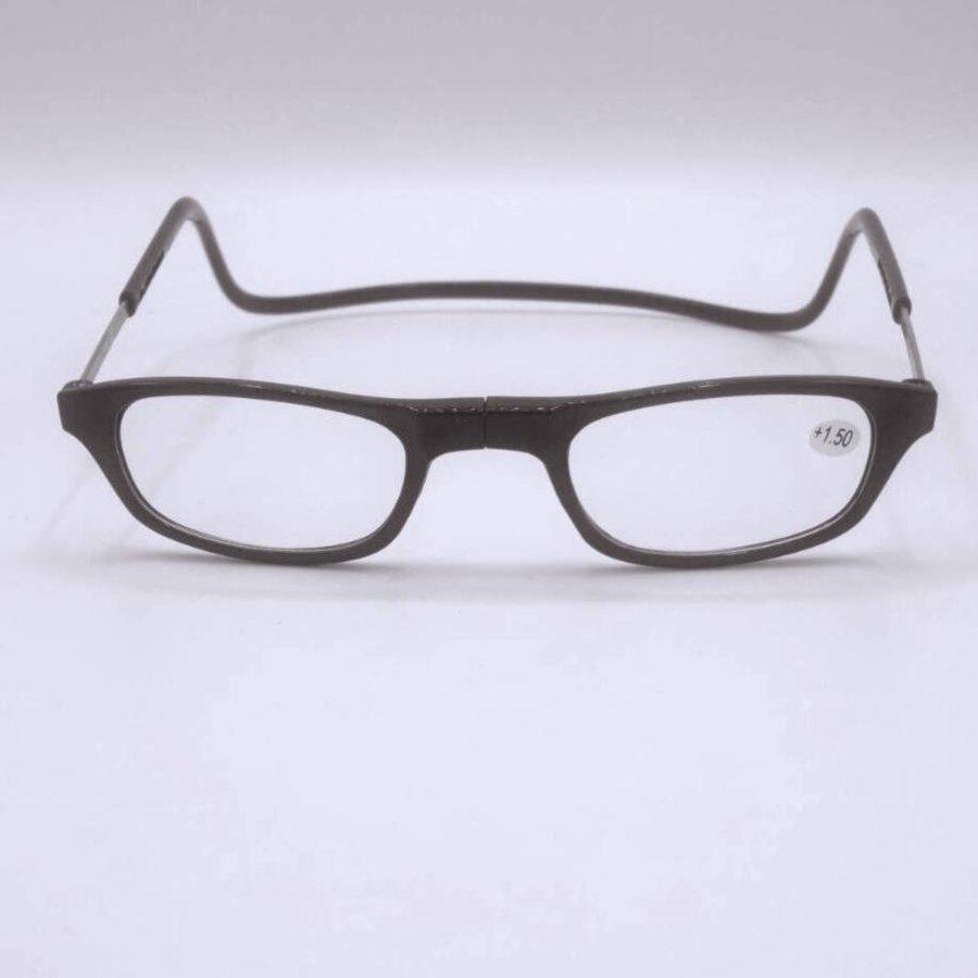 Óculos de mecânico, fácil quando se trabalham em carros, etc., não caem da cabeça e ficam pendurados ao redor do pescoço. Com um bom sistema de clique magnético na frente. +1.75-1