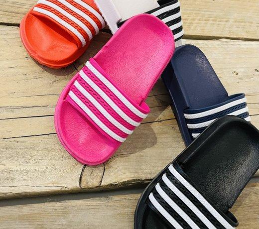 Sandalen / Sneakers