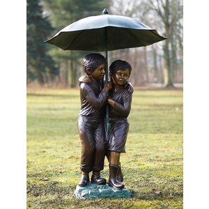 Eliassen Image bronze children under umbrella big