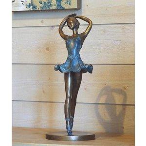 Eliassen Image bronze dancer on toes