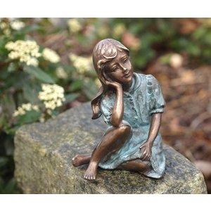 Eliassen Beeld brons meisje met hand onder gezicht