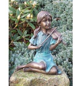 Eliassen Image bronze girl with pansy
