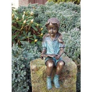 Eliassen Image bronze girl with booklet