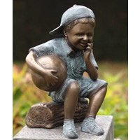 Image bronze boy with football