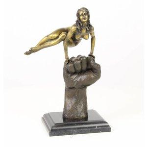 Bronze Frau auf der Hand
