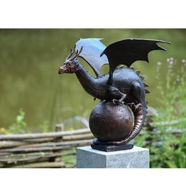 Eliassen Image bronze dragon on globe