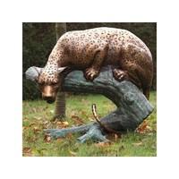 Beeld brons jachtluipaard op stam