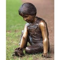 Beeld brons jongen met schildpad