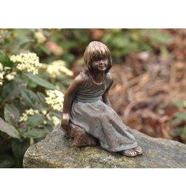 Eliassen Sitzendes Mädchen des Bildbronzes