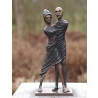 Beeld brons modern liefdespaar