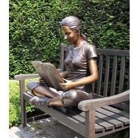 Beeld brons meisje met boek