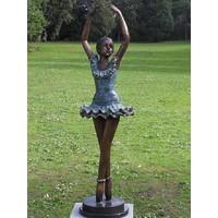 Bild Bronze Ballerina Arme nach oben