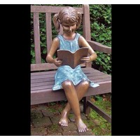 Beeld brons lezend meisje
