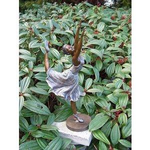 Eliassen Image bronze dancer