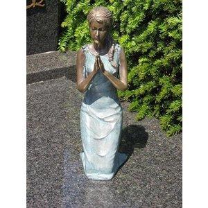 Eliassen Grafbeeld meisje op knieen brons in 2 kleuren