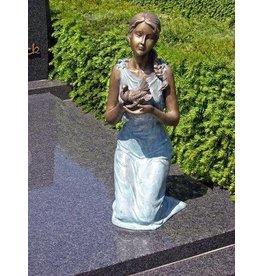Eliassen Grave Bild Mädchen mit Taube Bronze in 2 Farben