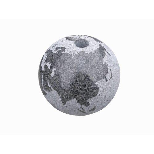 Eliassen Globe water balls in 4 sizes of granite