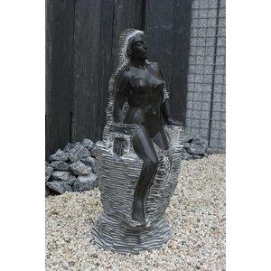 Eliassen Waterbeeld vrouw op rots marmer