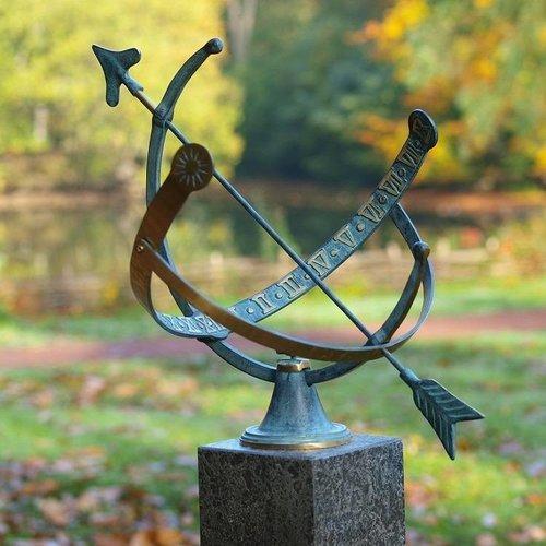 Eliassen Sundial bronze open 1