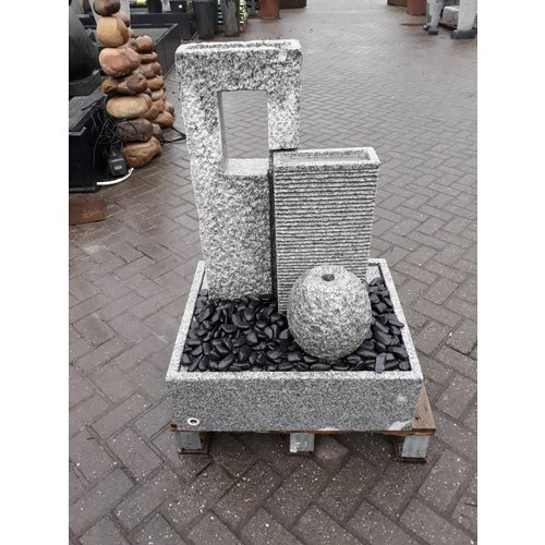 Eliassen Terrace fountain Stork exclusive