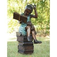 Bronzen beeld lezend meisje met bril