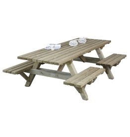 Talen Staphorst Picnic table open entry