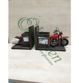 Miniature model bookends Motor