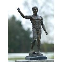 Bronze nackter Mann