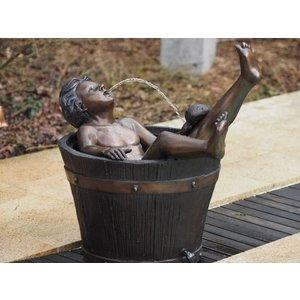Eliassen Spritze Figur Bronze Junge in Tonnen