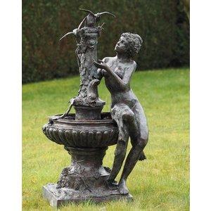 Eliassen Bronzefrau des Brunnens am Bild