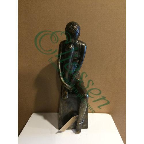 Bronze statue girl