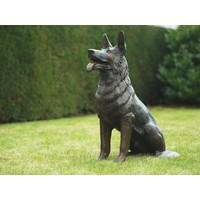 Bronzen zittende hond