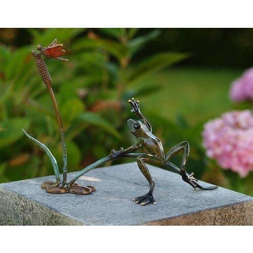 Eliassen Beeld brons kikker en libelle in het riet