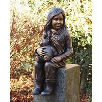 Bronzen beeld meisje met teddybeer