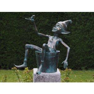 Bronze pixie with bucket