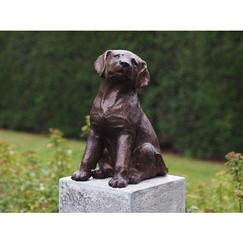 Bronzen puppy