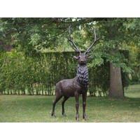 Bronzen groot hert
