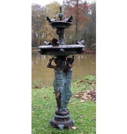 Eliassen Fountain bronze with pigeons