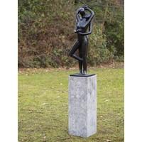 Beeld brons modern kussend liefdespaar