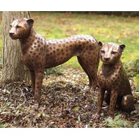Beeld brons zittende cheetah