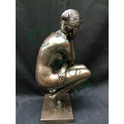 Eliassen Beeld brons gehurkte vrouw
