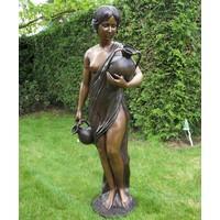 Bronzen beeld Antonia