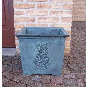 Eliassen Bronze flower box with pineapple